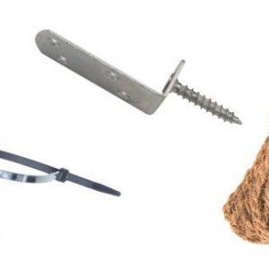 Beschläge für die Befestigung von Zäunen an Pfosten